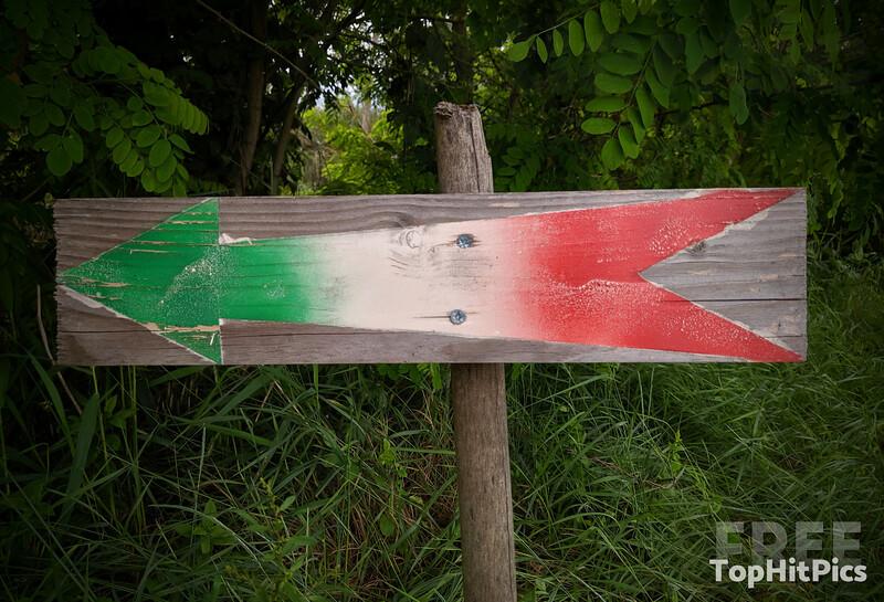 An Italian Flag Inspired Arrow Sign, Italy