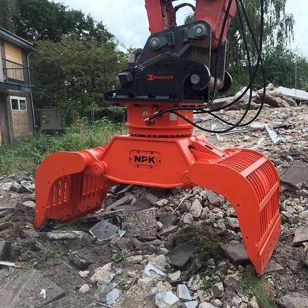 NPK DG 20 demolition grab (4).jpg