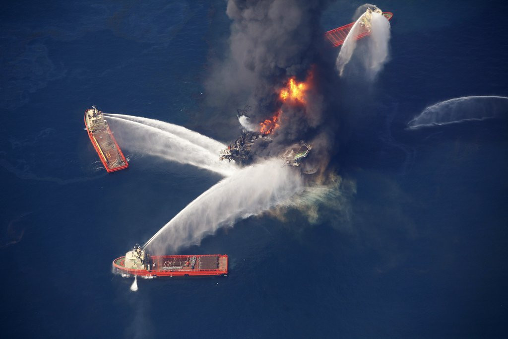 """. <p><b><a href=\'http://www.nbcnews.com/science/gulf-mexico-dead-zone-size-connecticut-6C10798946\' target=\""""_blank\""""> Scientists report there�s a larger than ever �dead zone� � </a></b> <p> <b>A. In the Gulf of Mexico </b> <p><b> B. Above the Arctic Circle </b> <p> <b>C. Standing behind the Vikings� center </b> <p> --------------------------------------------    (AP Photo/Gerald Herbert, File)"""