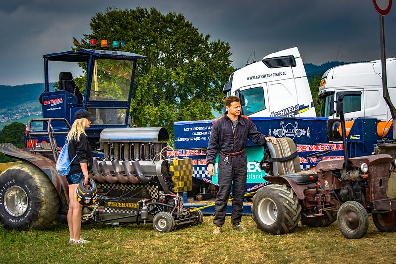 Tractor Pulling 2015-02232.jpg