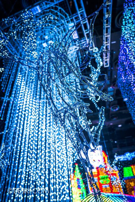 Universal Studios Singapore - Santa's All-Star Christmas 2016 / The Universal Journey - Pixie solo