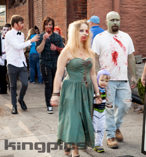 ZombieWalk2012131012102.jpg