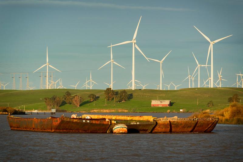 Delta Barge 3-0741.jpg