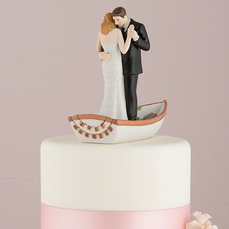 9352a_row-away-wedding-couple-in-rowboat-figurine52fbcee820bfb54a936c797fbc7645ff.jpg
