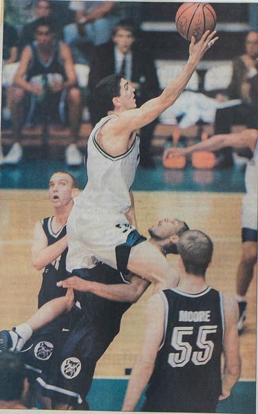 UNCW Basketball 99-00-17.jpg