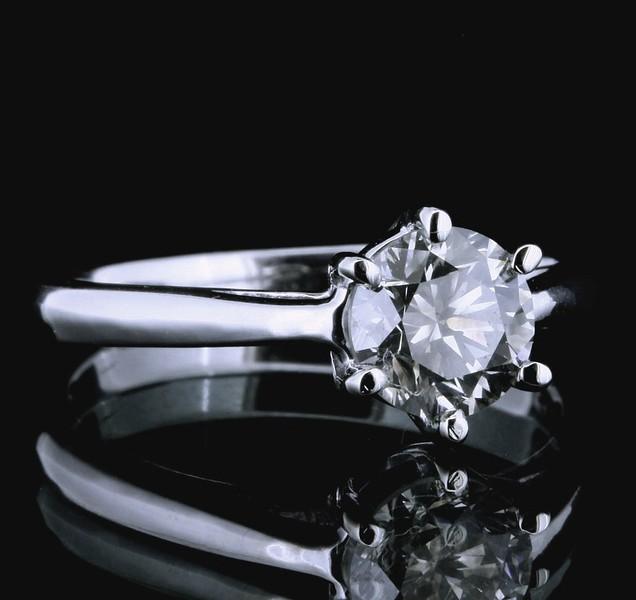 1.5ct VS1 14Kt WG tinted white gray diamond