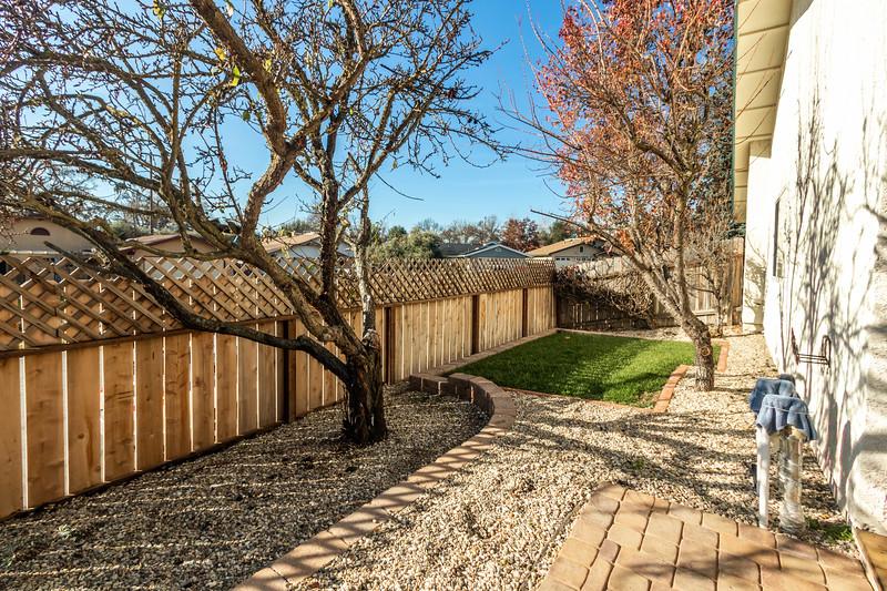 3280 Firtree 35 Backyard.jpg