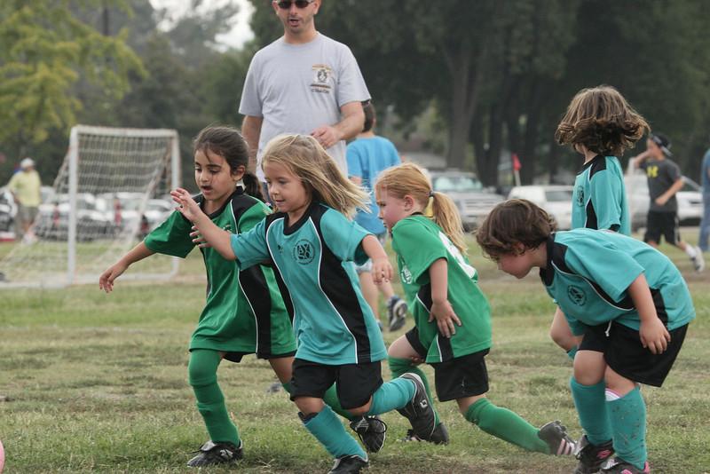Soccer2011-09-10 11-11-08_2.JPG