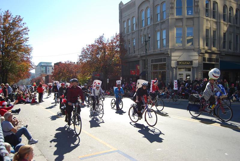 Parade 1161.jpg
