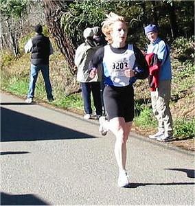 2003 Hatley Castle 8K - Kathy Davidson finishes...