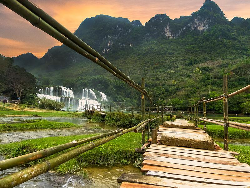 Vietnam Ban Gioc Falls Sunset_P1120586.jpg