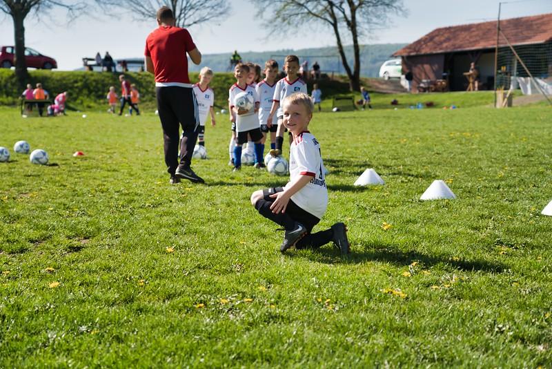 hsv-fussballschule---wochendendcamp-hannm-am-22-und-23042019-u9_46814452385_o.jpg