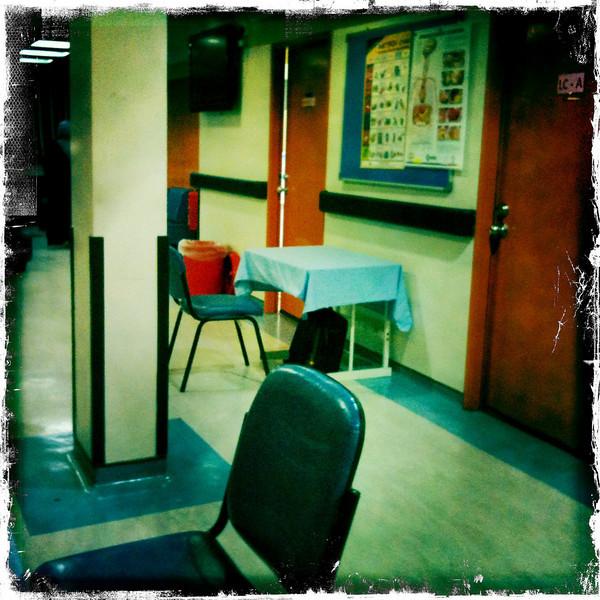 Part II Clincials - Klinik Perubatan - waiting area for long case