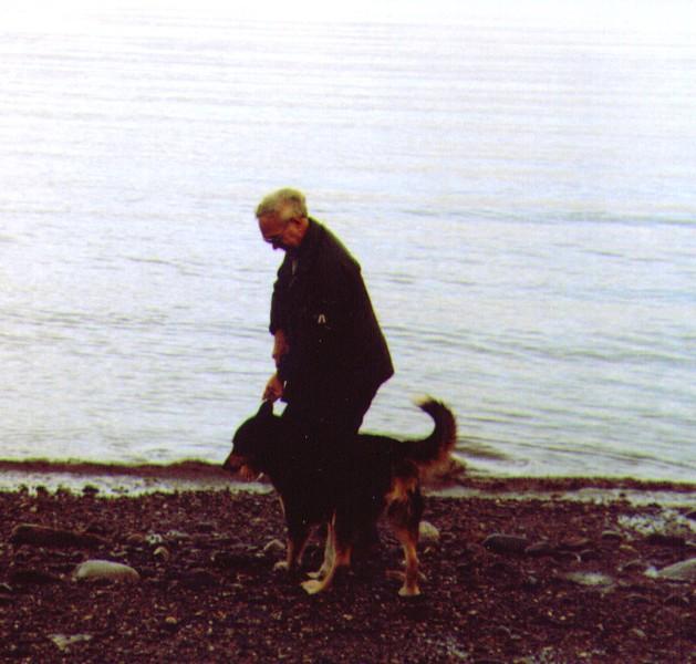 Wayne & Tundra along the beach nr. Nikiski  - Copy.jpg