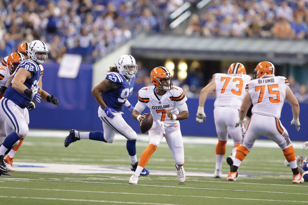 . Cleveland Browns quarterback DeShone Kizer (7) scramble against the Indianapolis Colts during the second half of an NFL football game in Indianapolis, Sunday, Sept. 24, 2017. (AP Photo/Darron Cummings)