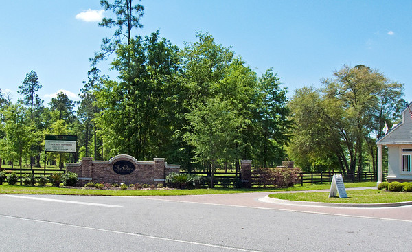 Oaks Equestrian Community