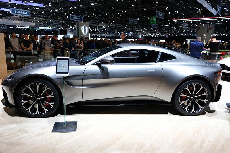Aston Martin Vantage.jpg