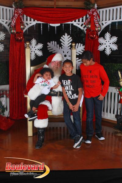 Santa 12-17-16-593.jpg