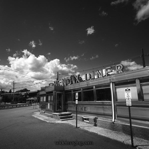 Bendix Diner, Hasbrouck Heights - Teterboro, NJ where the Bendix Aerospace Corp. once was. May 30, 2014