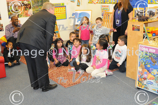 Aurora, IL Head Start school visit from U.S. Senator from Illinois Dick Durbin 3-23-11