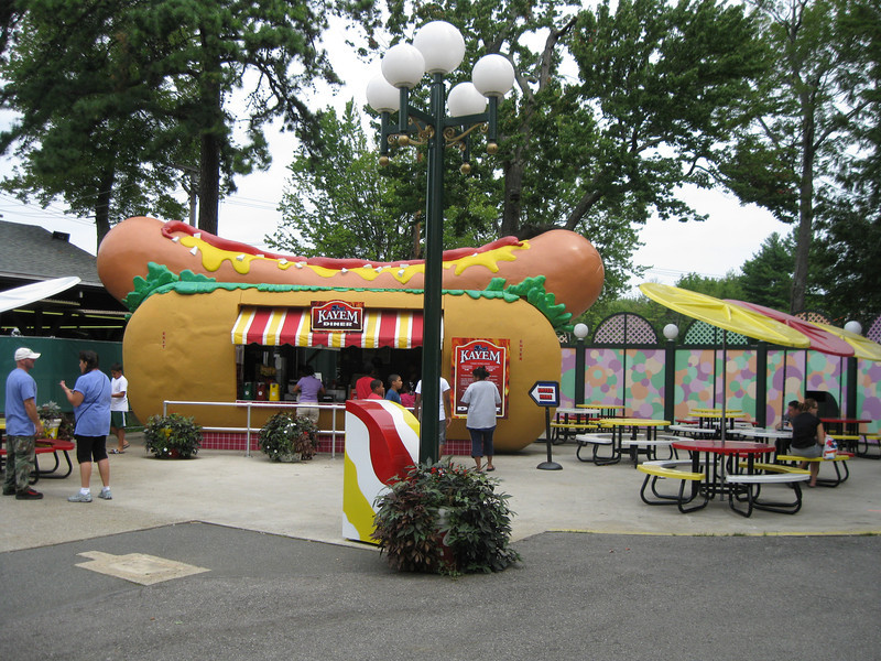 The Kayem Diner, shaped like a hot dog.