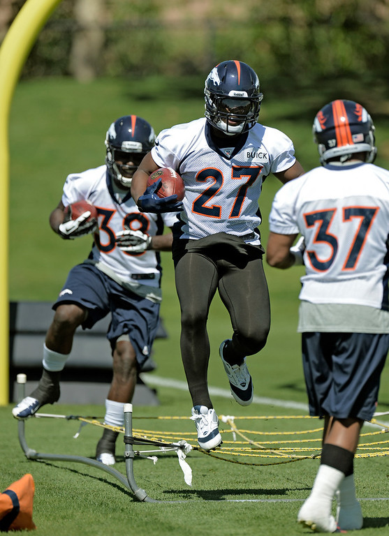 . Knowshon Moreno (27) RB of the Denver Broncos runs through drills during OTAs June 3, 2013 at Dove Valley. (Photo By John Leyba/The Denver Post)