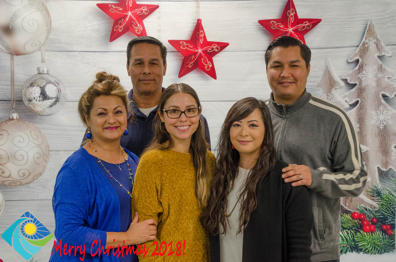 Christmas Photobooth 2018 Sunday-097.jpg