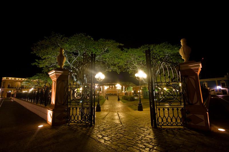 campeche-at-night_4529476569_o.jpg