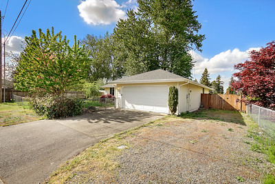 2219 14th Ave NW, Puyallup