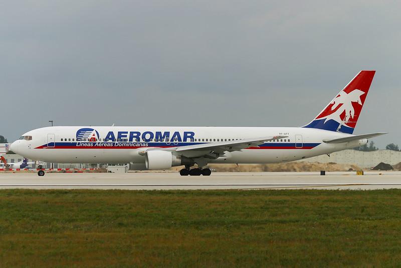 TF-ATT. Boeing 767-383(ER). Aeromar. Miami. 081202.
