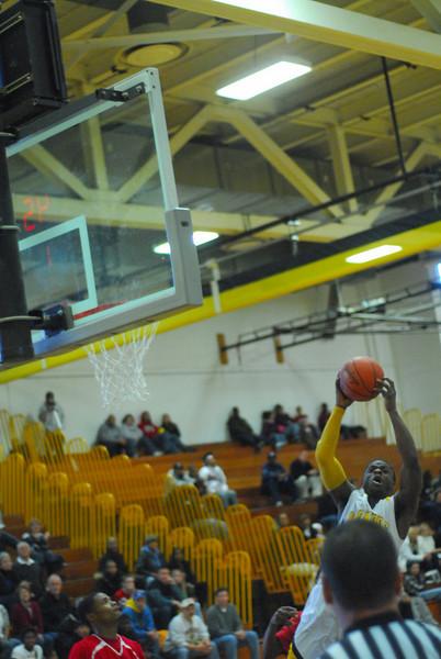20090301_MCC Basketball_5641.JPG