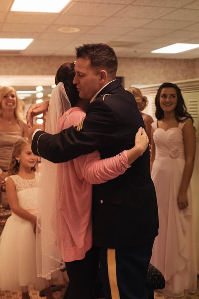 Matt & Erin Married _ getting ready  (106).jpg