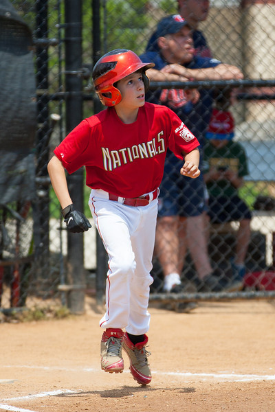 Luke pops up to center field to end the top of the 2nd inning with the Nats trailing 0-3. The bats of the Nationals were supported by a great defensive outing in a 11-4 win over the Twins. They are now 7-3 for the season. 2012 Arlington Little League Baseball, Majors Division. Nationals vs Twins (13 May 2012) (Image taken by Patrick R. Kane on 13 May 2012 with Canon EOS-1D Mark III at ISO 400, f4.0, 1/2500 sec and 280mm)