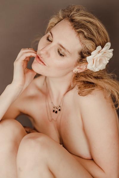Jenny_Rolapp_Boudoir-32-2.jpg