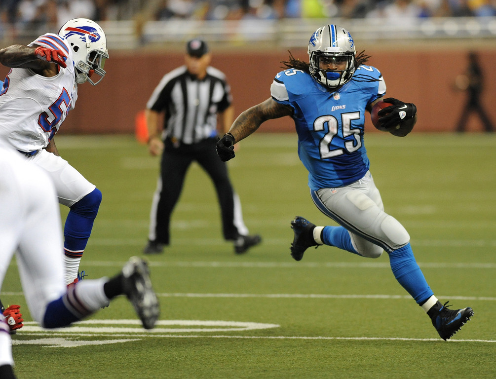 . Detroit Lions running back Mikel Leshoure runs for yardage against the Buffalo Bills during first quarter action.  Photo taken on Thursday, August 30, 2012, at Ford Field in Detroit, Mich.  (Special to The Oakland Press/Jose Juarez)