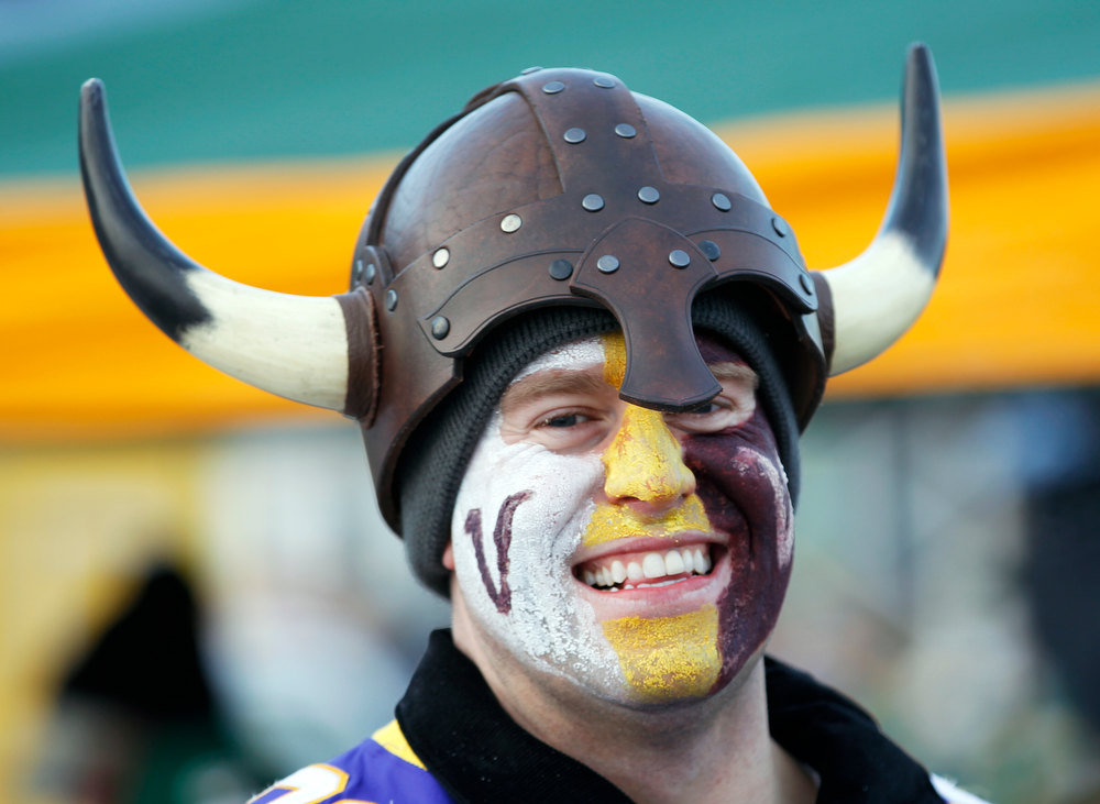 Description of . Ben Beadling, of Rochester, Minn., is seen before an NFL wild card playoff football game between the Green Bay Packers and the Minnesota Vikings Saturday, Jan. 5, 2013, in Green Bay, Wis. (AP Photo/Mike Roemer)