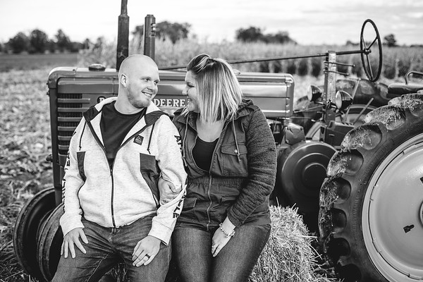 Gladwell Family - Tractor/Fall Mini Session