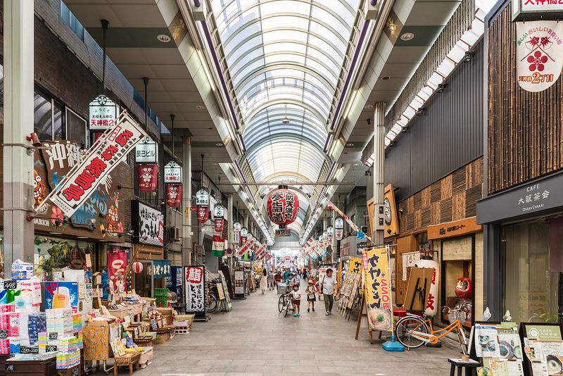 Tenjinbashisuji Shopping Street. Photo Credit: beeboys/Shutterstock.com