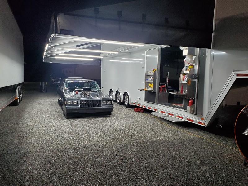 trailer regal.jpg
