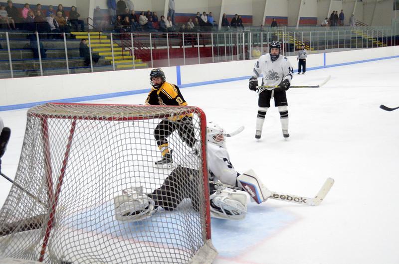 141005 Jr. Bruins vs. Springfield Rifles-067.JPG