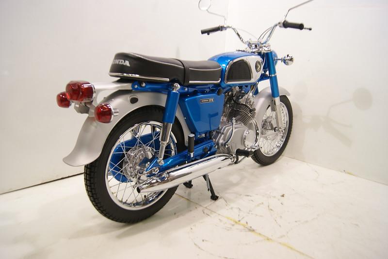 1968 CD175 11-12 002.JPG