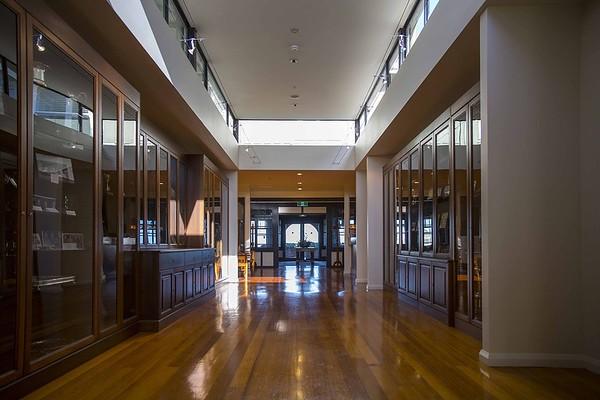 20151027 Bowron Heads prize cabinets - RWGC Melbourne Sandbelt Classic _MG_3886 a NET