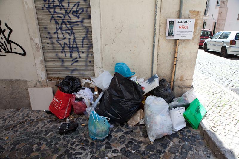 No garbage here! Lisbon, Portual.