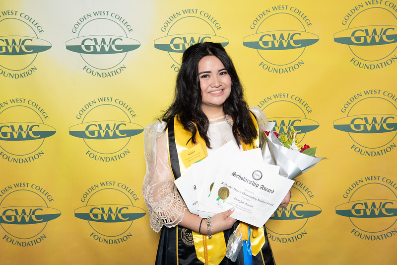 Scholarships-Awards-2019-0845.jpg