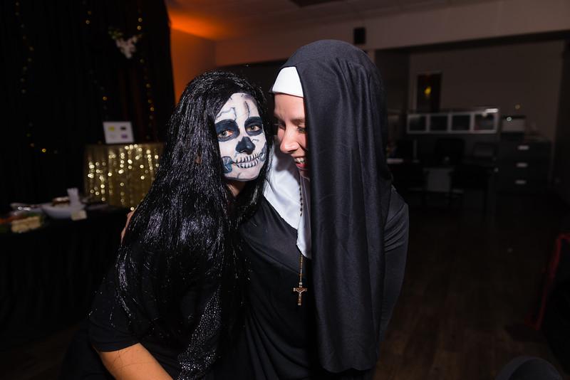 2015-10-20_MWN_HalloweenMixer_AaronLam098.jpg