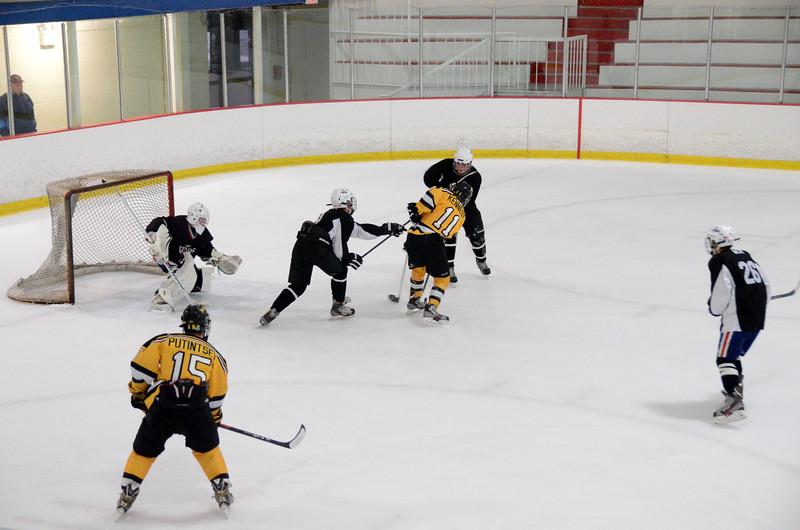 140913 Jr. Bruins vs. 495 Stars-138.JPG