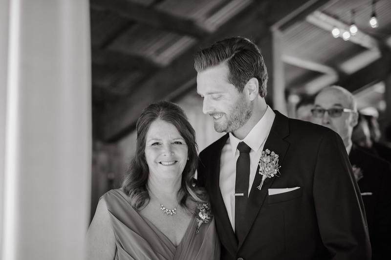 Seattle Wedding Photographer-706.jpg
