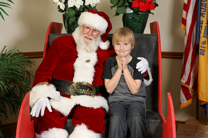 TBTP 2019 Photos with Santa-81.JPG