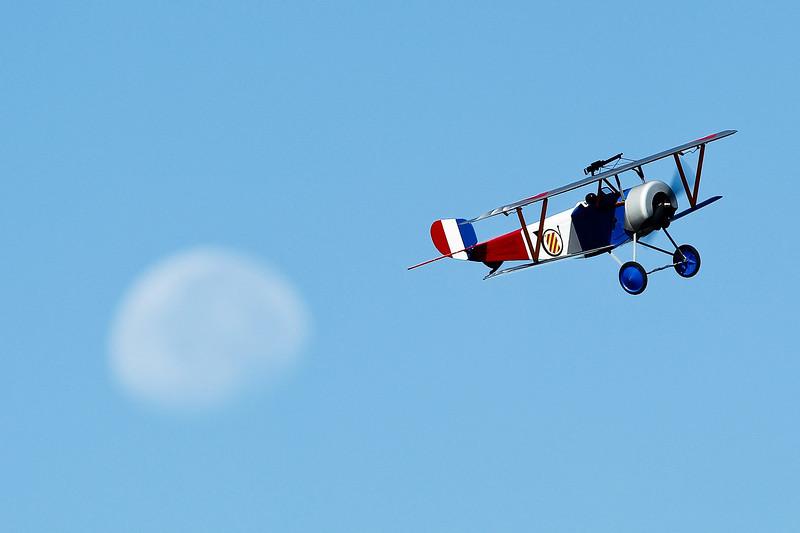 Electrifly_Nieuport17_Moon_60.jpg