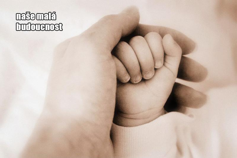 detska-ruka-nase-mala-budoucnost.jpg